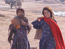 [Afghanistan] Afghan girls at Jalozai.