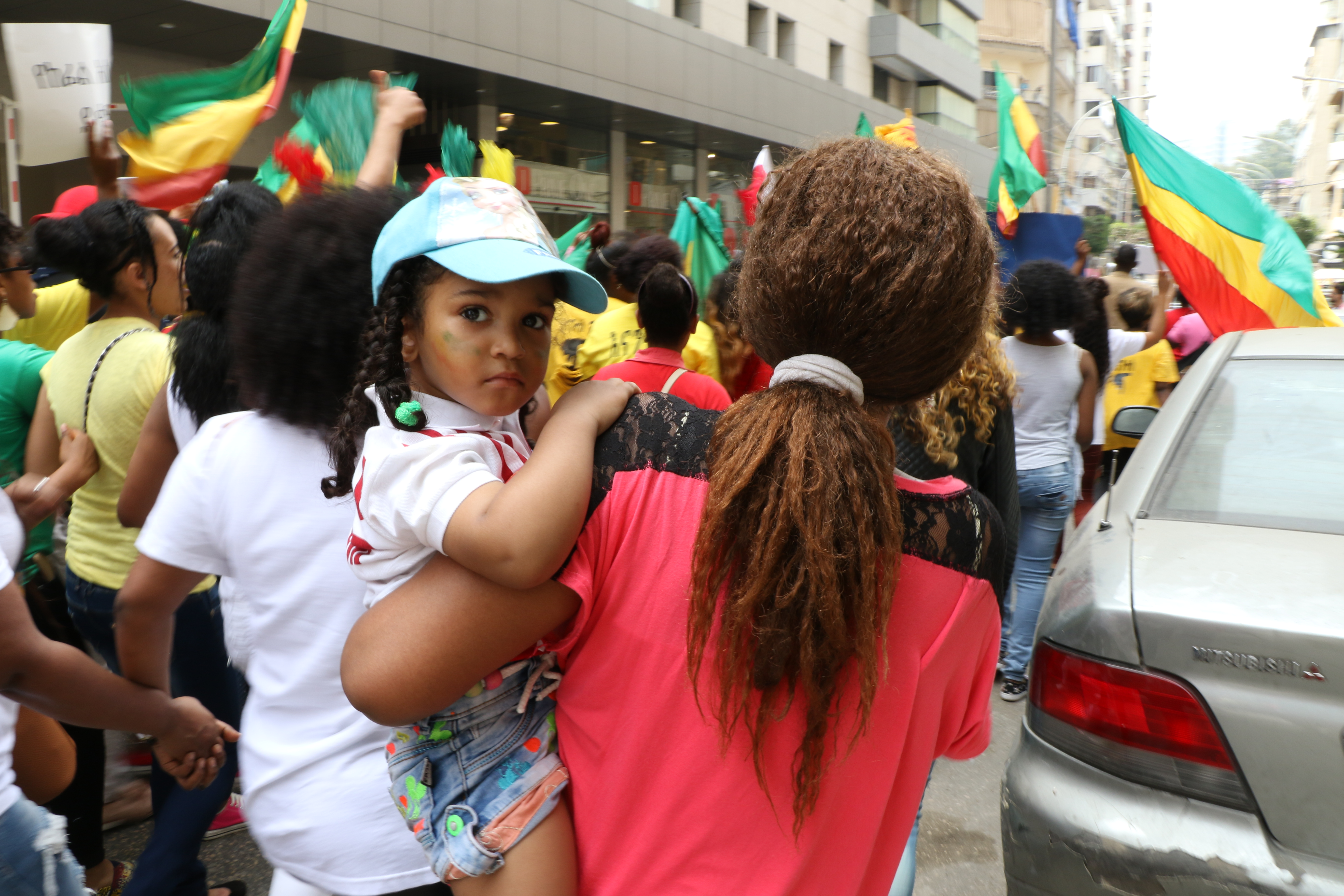 """lebanon migrant workers The migrant workers' parade and festival, set for sunday in beirut, is seeking to """"change mentalities"""" about foreign workers in lebanon african migrant workers continue to be called fahmeh (charcoal) or abed (slave) on lebanon' streets."""