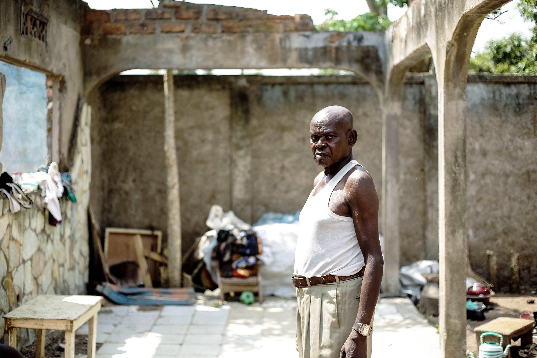 Etienne Guinot rerurns to his old neighborhood