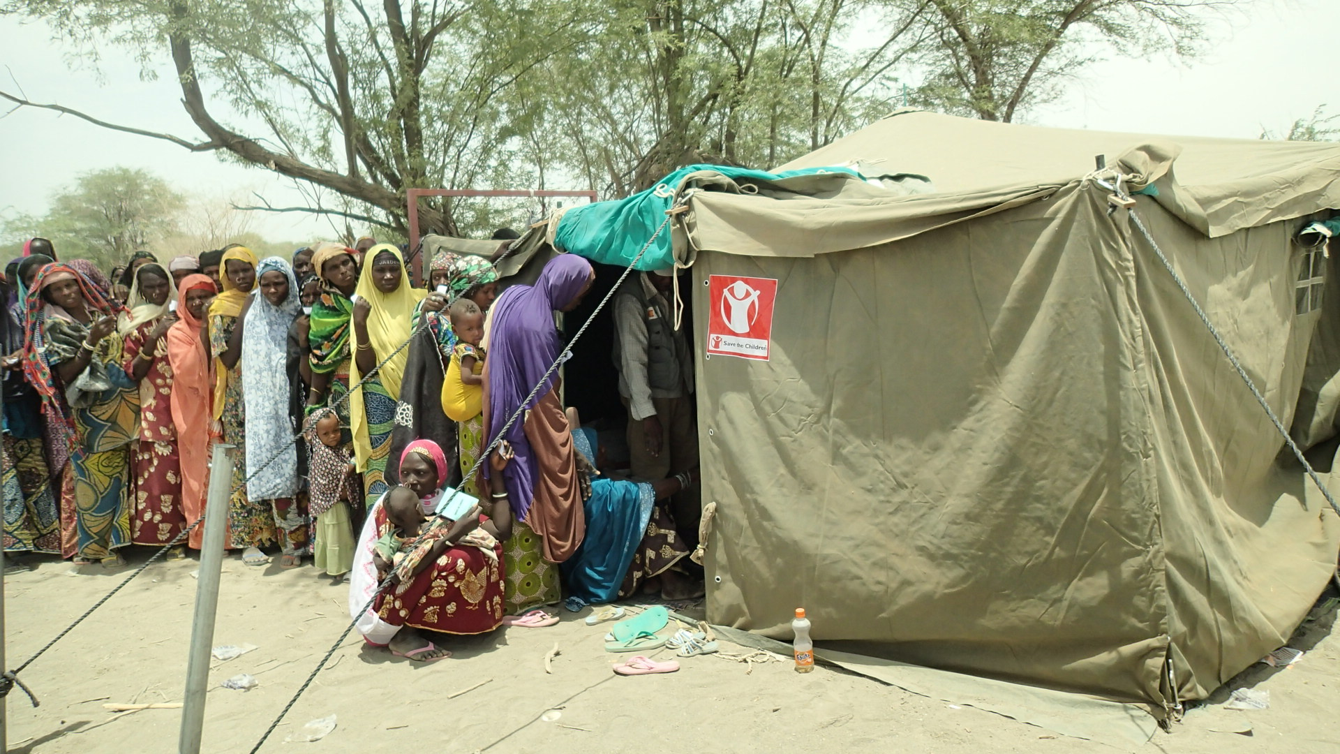 Food distribution at Kime Gana, N'guigmi, Diffa, Niger