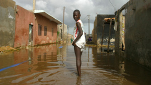 [Senegal] Inhabitants of Medina Gounass, one of the worst affected suburbs of the capital after Senegal's worst rains in two decades. Dakar, Senegal, Friday 26 August 2005.