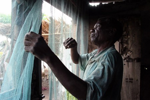 [DRC] Malaria treatment is still too expensive for most families in DRC; most will try traditional remedies against the disease, and will only seek out modern medical care as a last chance, often too late.