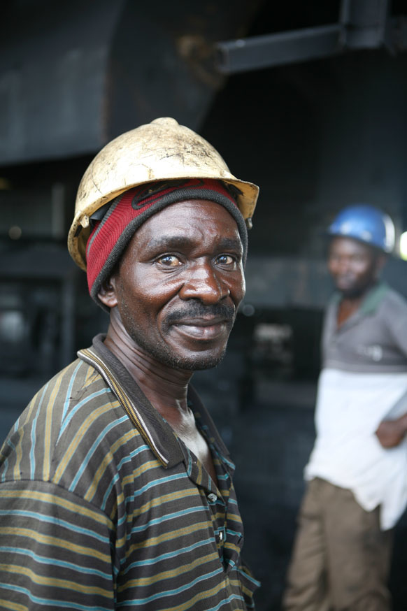 A worker in a coal mine belonging to Maamba Collieries, the largest coal producer in Zambia, 2 March 2007. Mining analyst Thom Kamwendo told local media recently that many lives could be improved if the earnings from the country's mineral deposits were in