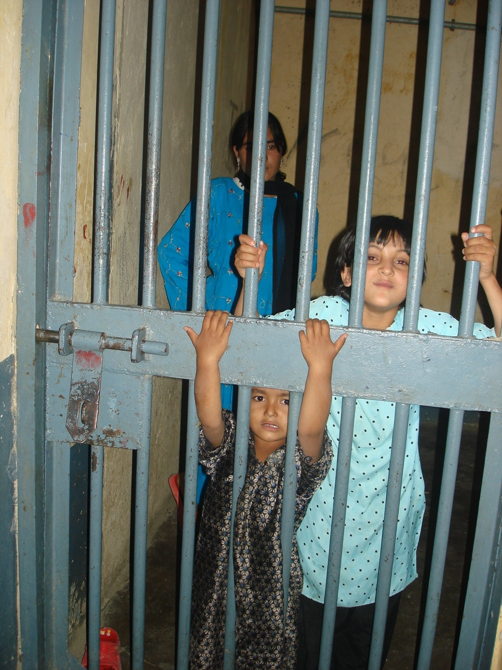 The number of children staying with their mothers in Afghan,September 2007. prisons is extremely high, almost equal to the number of their mothers, according to UNODC.