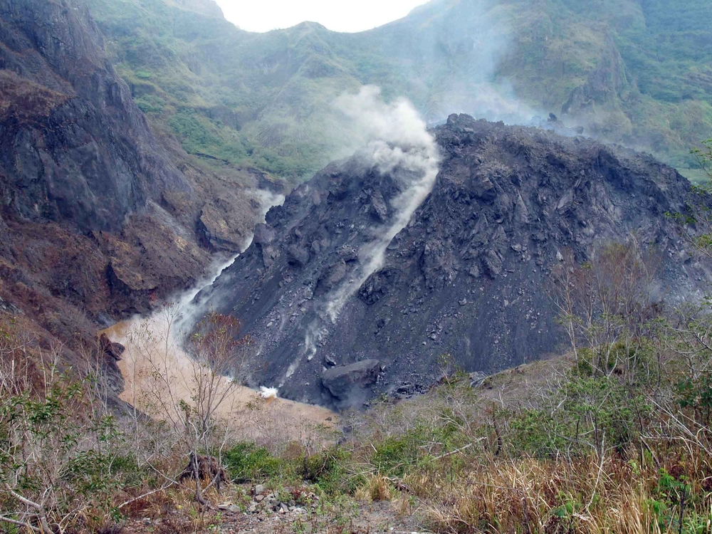 A month after the last eruption, Mt Kelud continues to emit hot gases and lava and a lava dome is being created and rising in height. There is no certainty that the volcano will not erupt again.