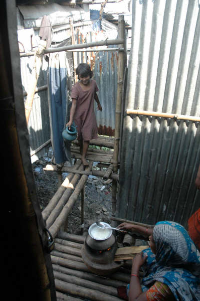 In the slums of Dhaka, the kitchen and latrine are often not far apart. With a culture of improper hand washing diarrhoeal diseases can spread easily.