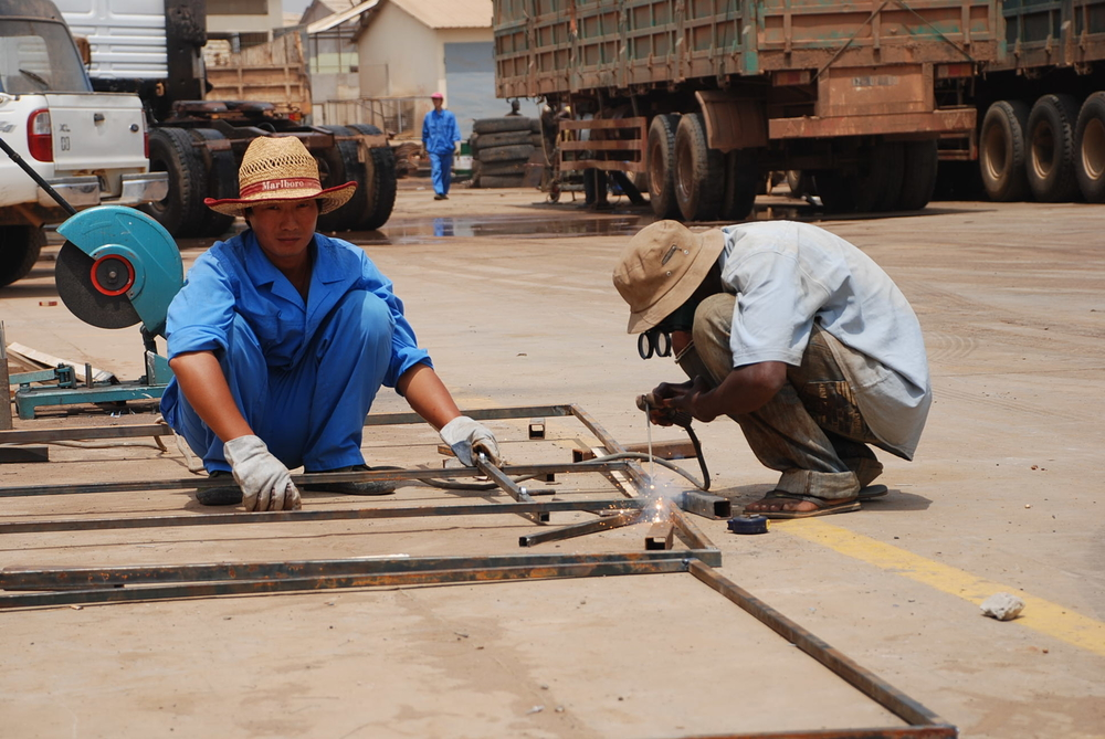 Chinese workers in Luanda, Angola