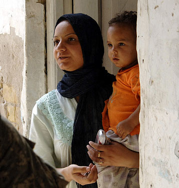 A displaced Iraqi woman living in the Adhamiyah neighbourhood of Baghdad. Over 60 percent of internally displaced Iraqis are from Baghdad