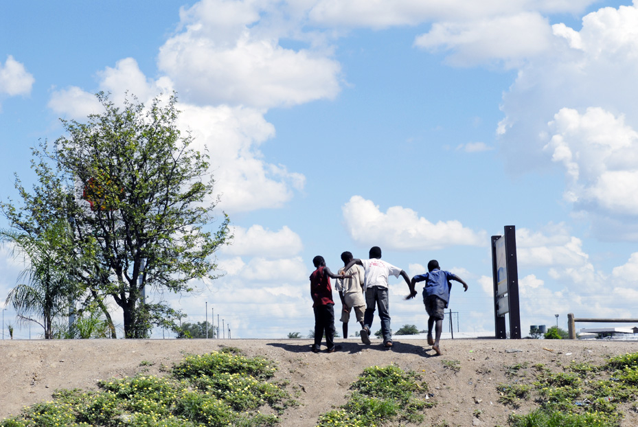 Unaccompanied children at the Musina/ Beit Bridge border in South Africa