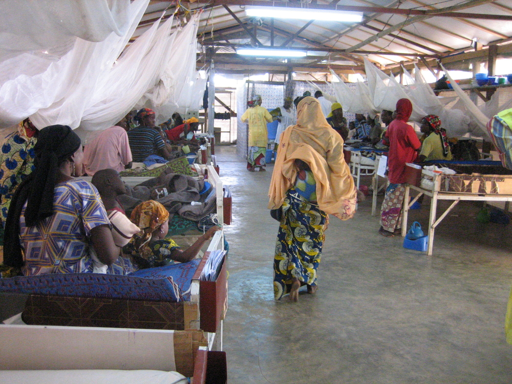 Women and children at MSF's nutrition therapeutic centre in Magaria, southern Niger