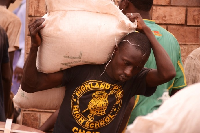 A newly founded organisation, Cri de Coeur  is collecting goods and donations from citizens and working with local transporters to bring assistance to communities in the north. 