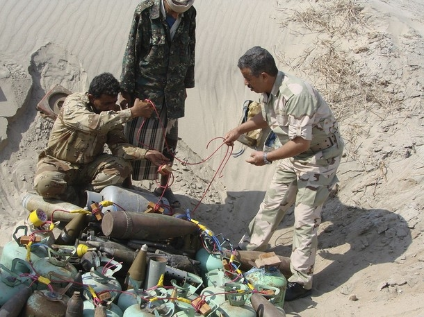 Demining teams in Jaar, Yemen