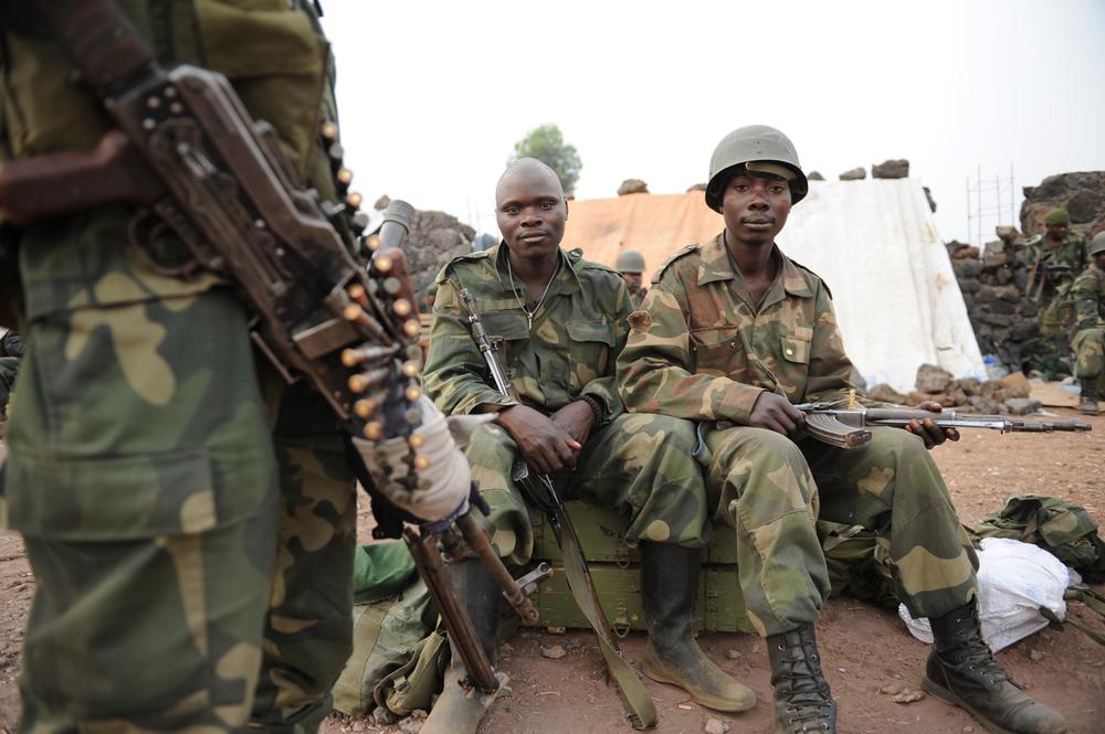 FARDC soldiers on the Kanyaruchinya frontline on the outskirts of the eastern DRC city of Goma (August 2013)