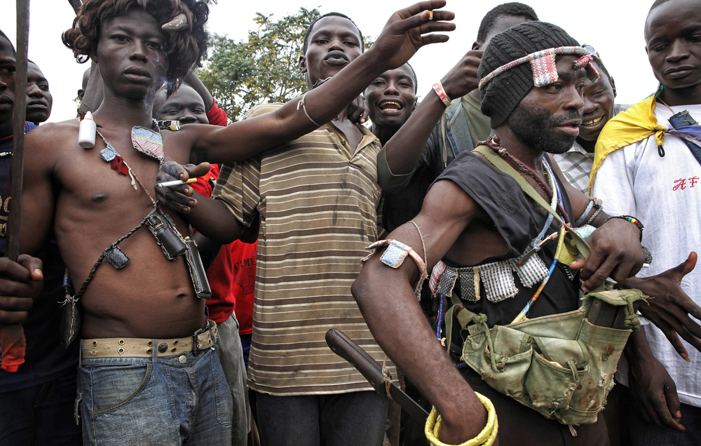 Anti Balaka fighters at Bangui´s estate PK9, waiting to attack Muslim IDPs convoys passing along the road