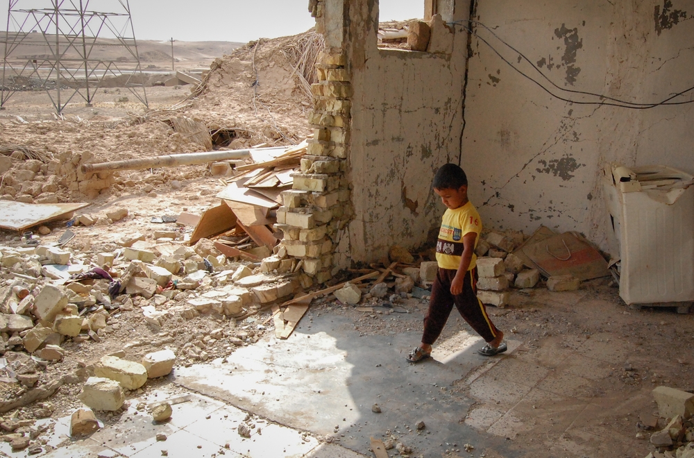 In April 2015, four year-old son Saif and his mother Muntaher finally came home to Husseini, in the northern Diyala region of Iraq, after being displaced. The home was largely destroyed
