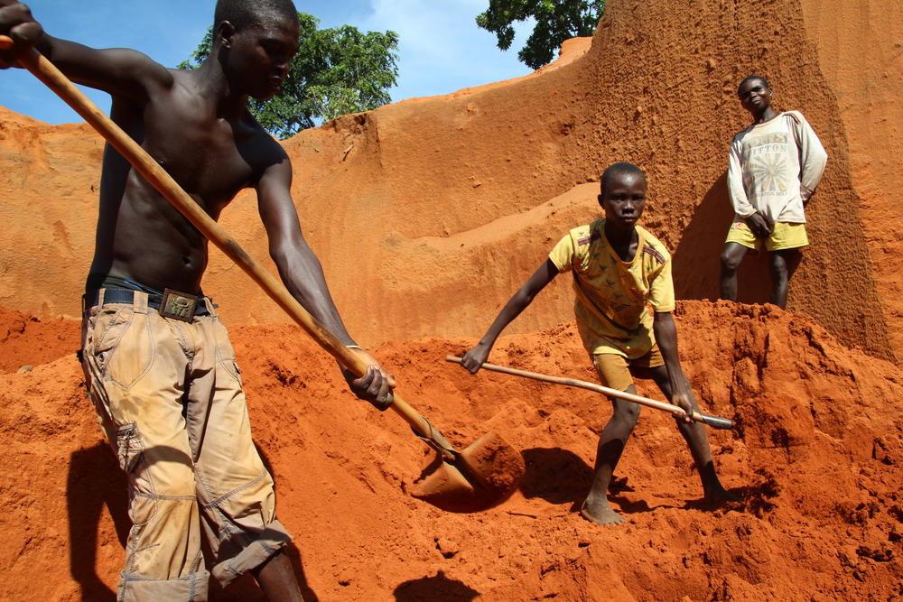 americas adoration for africas diamonds essay Essay on sierra leone, overcoming challenges and became a central point for transporting slaves to the americas many african blood diamonds & sierra leone essay.