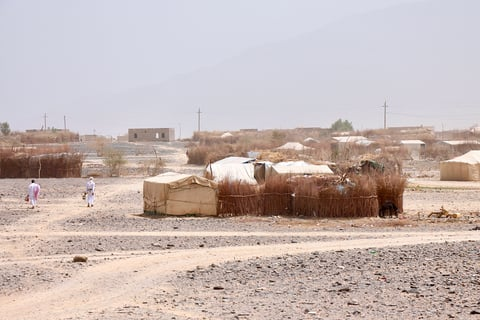Photo of a dry displacement camp in Yemen