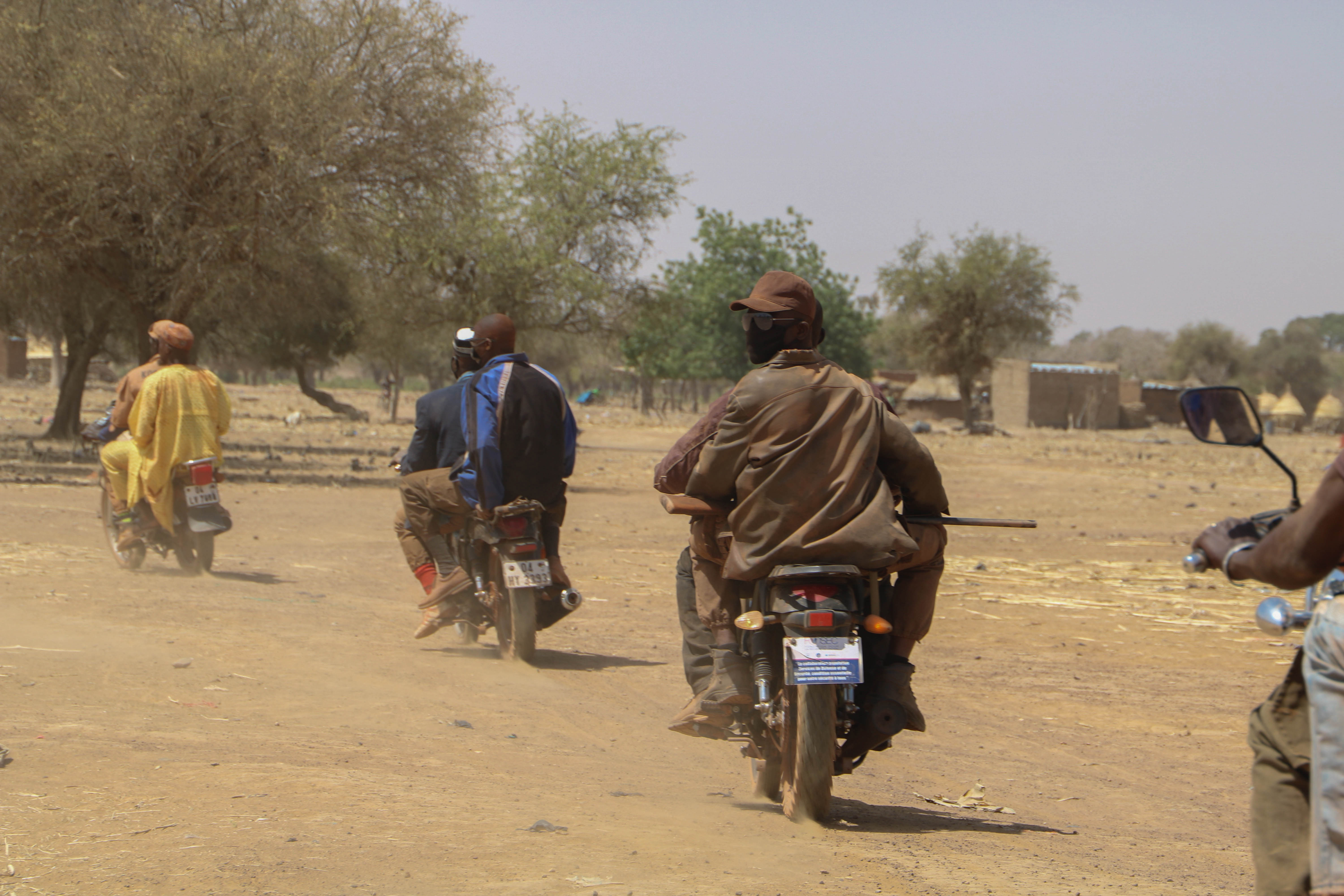 Image of Koglweogo members travelling in convoy in Burkina Faso
