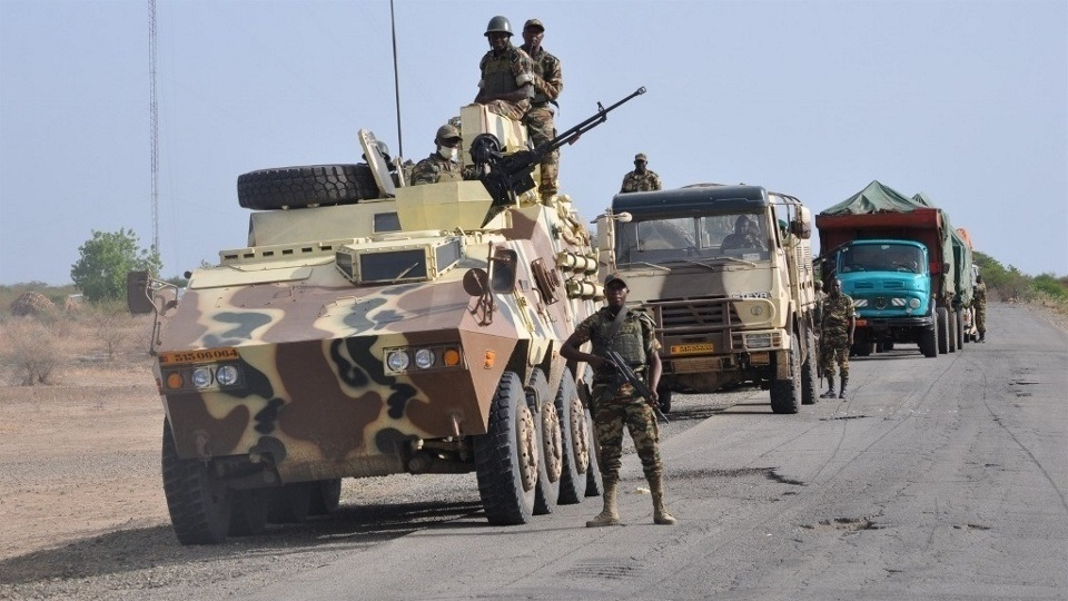 Cameroon army - convoy in Far North