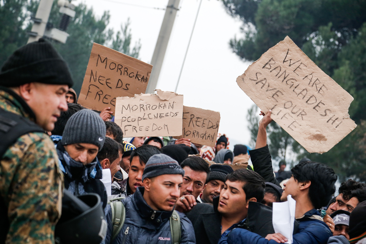 Protest by migrants from Bangladesh and Morrocco