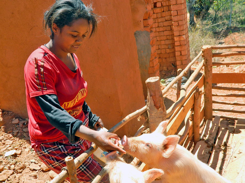 Liliana Lova Rahoaritsalamanirinarisoa, 25, a single mother from the village of Ambohimanga Rova