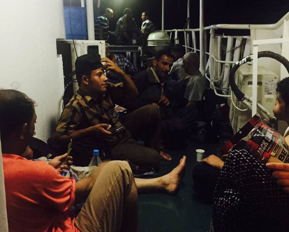 Yemenis flee to Djibouti on a boat during a five day humanitarian pause from the war in May 2015