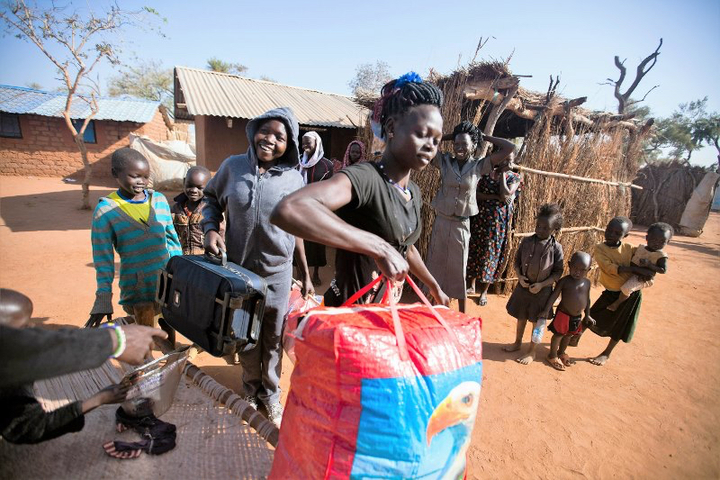 Refugee from South Sudan arrives in Ajuong Thonk refugee camp, UNity State, Jan 2016