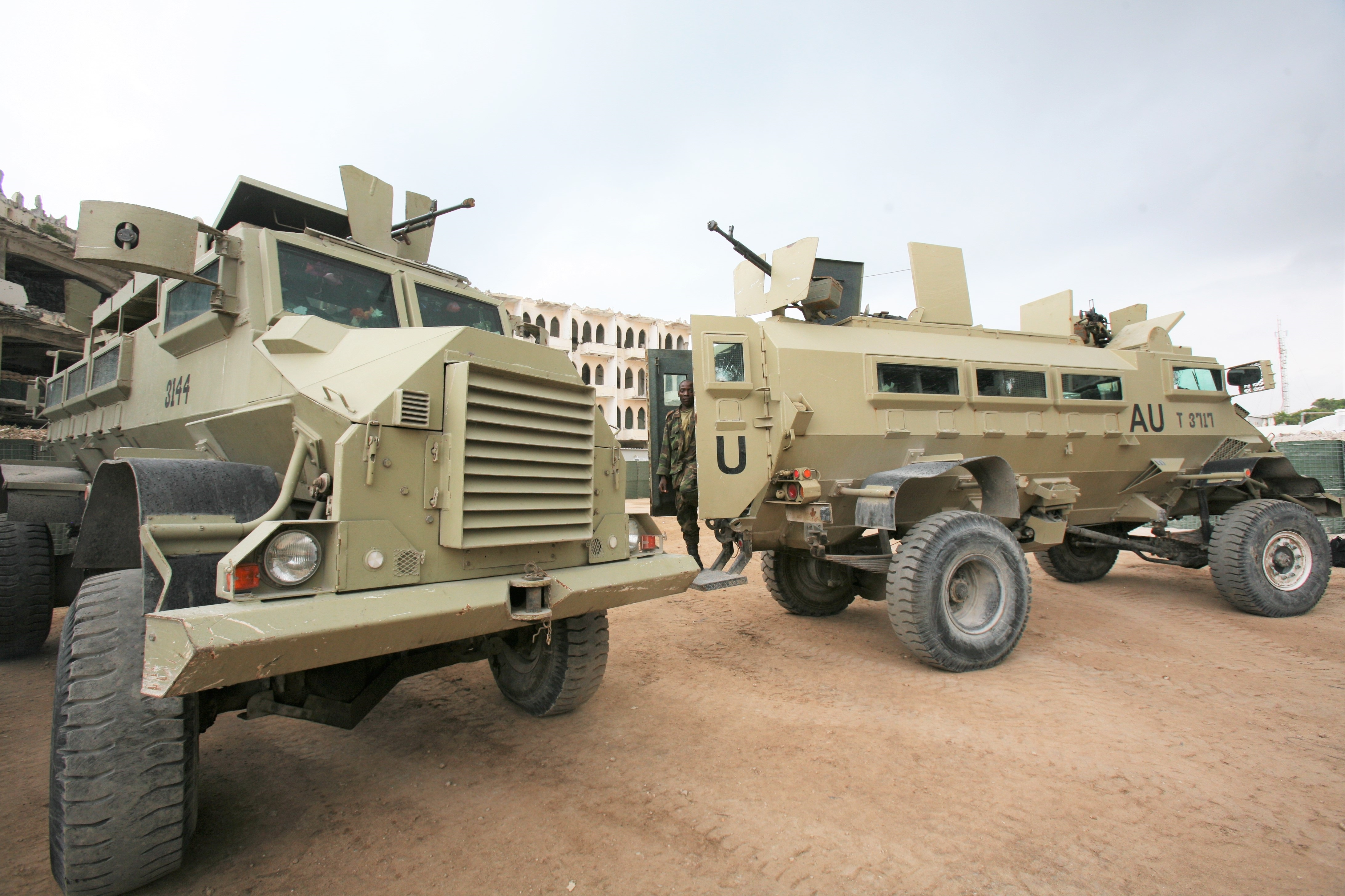 Ugandan AMISOM APCs Mogadishu
