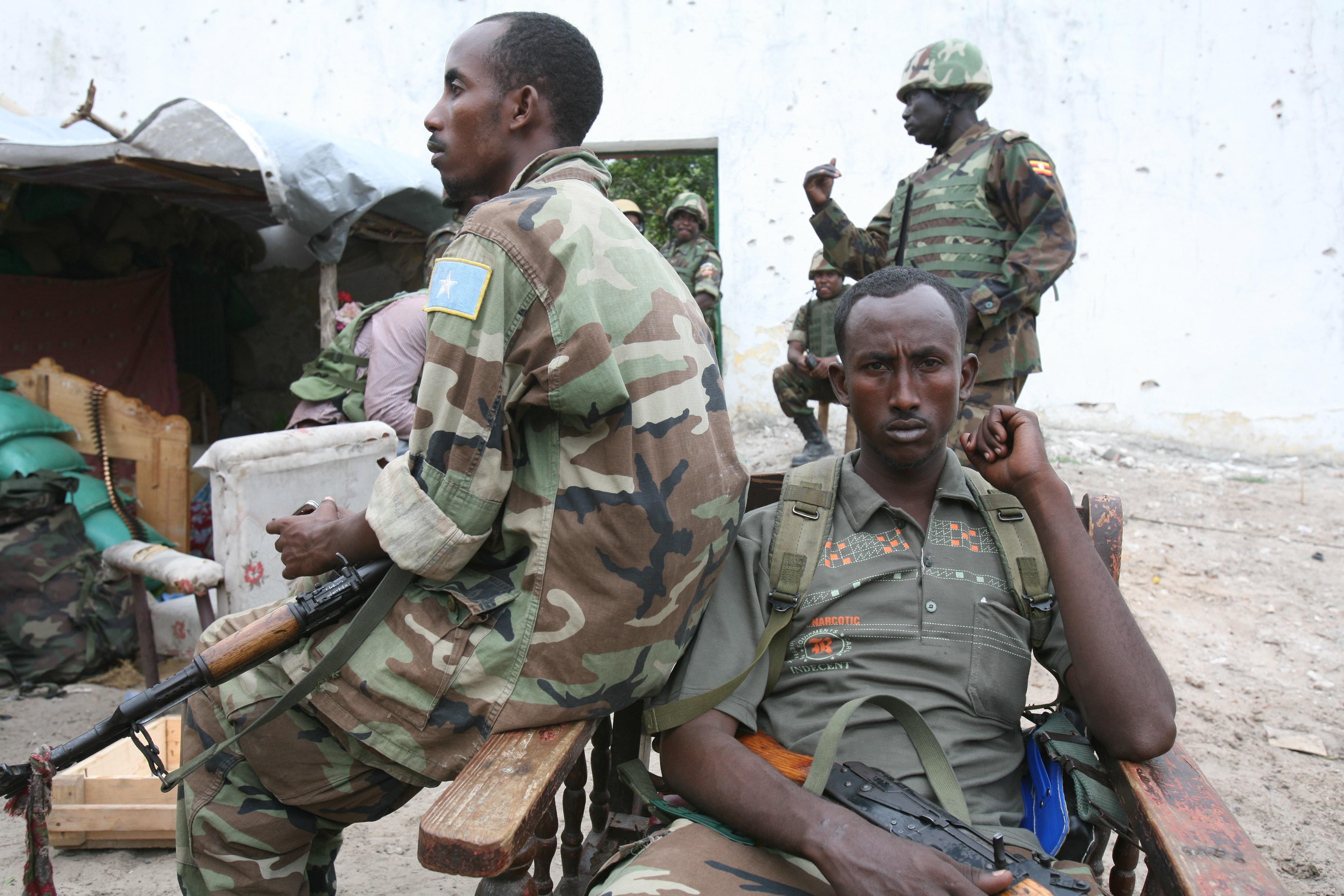 Somali troops with Ugandan AMISOM forces