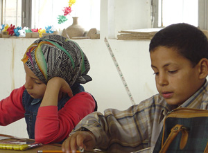 [Iraq] Girls and boys at the (Musbah) youth center get a chance to draw, paint and do ceramics.