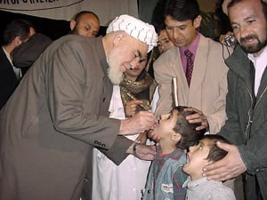 [Afghanistan] The Afghan government vice president Neyamatullah Shahrani, inaugurated polio immunization campaign by dropping the vaccine to an Afghan child in Kabul