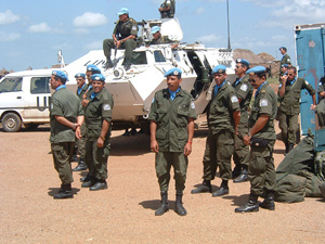 [DRC] UN peacekeepers touch down in Bunia, 24/04/03 Bunia Airport.
