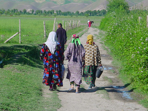 [Tajikistan] Women and children, often young girls, often have no choice but to walk for miles to fetch clean drinking water.