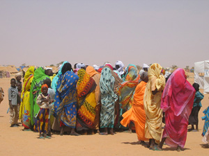 [Chad] UN officials say at least another 100,000 Darfur refugees will likely join the 200,000 already in Chad before the next rainy season begins in May. Most are women and children. Oure Cassoni camp, September 2004.