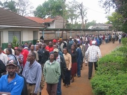 [Kenya] Voters wait to cast their ballots at Westlands, Nairobi, during Monday's referendum on a new constitution.