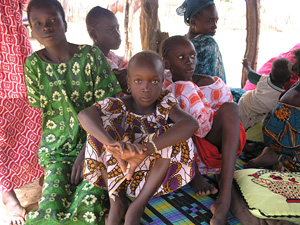 [Senegal] Girls in tbe village of Katoote, northern Senegal. [Date picture taken: 11/13/2005]