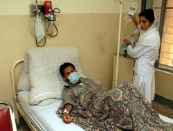 [Pakistan] More than 20,000 people have been hospitalised with suspected dengue fever. [Date picture taken: 11/01/2006]