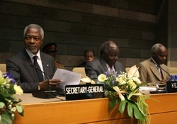 [Kenya] United Nations Secretary-General Kofi Annan at the opening ceremony of the 12th session of the United Nations conference on climate change, Nairobi, Kenya, 15 November 2006. Annan told delegates and reporters that global climate change must take i