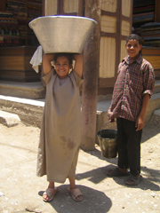 [Egypt] Inhabitants of villages in Upper Egypt are still the most affected by poverty. [Date picture taken: 07/11/2005]