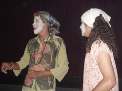 [Iraq] Few theatrical groups still perform in Iraq due to an increase in threats from religious extremists. [Date picture taken: 07/02/2006]