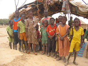 [Mauritania] Typical settlement in the Mauritanian Sahel belt.  [Date picture taken: 07/14/2006]