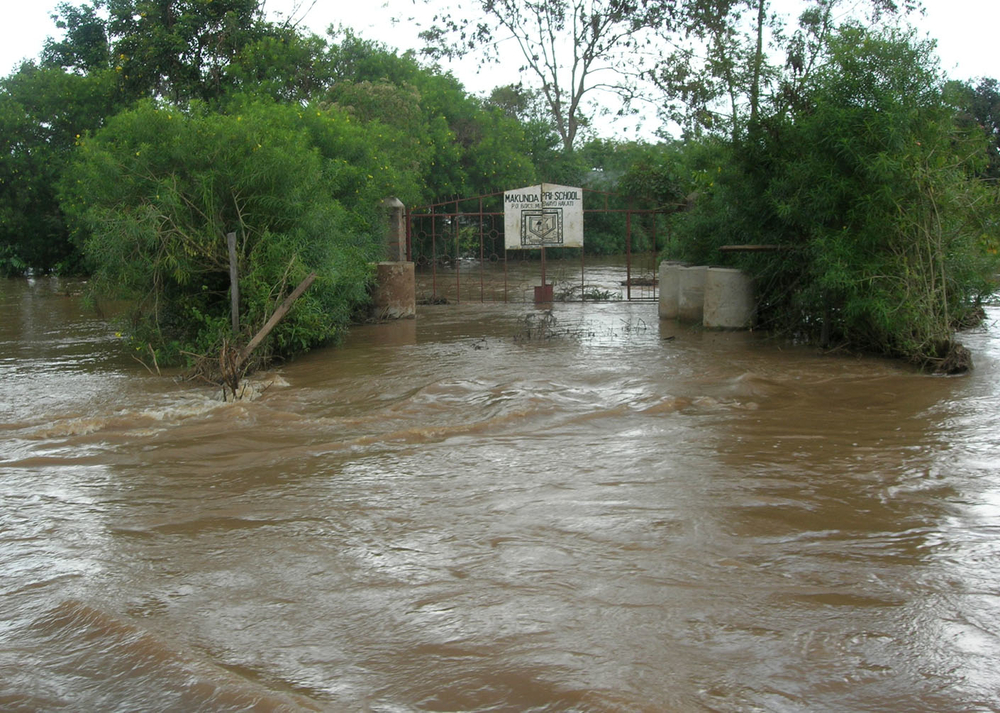 Makunda Primary School is one of the institutions of learning that have been submerged by floods following the bursting of the banks of the river Nzoia in Budalangi, Busia district. Kenya,  Septermber 2007.