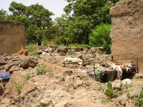 Burkina_Bama_floods – When torrential rains hit western Burkina Faso, people fled with little more than the clothes on their backs, their homes washed away by flood waters.