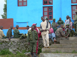 [DRC] Rumangabo military centre. Ex-militiamen waiting to be demobilised or integrated into the FARDC. Civilian life doesn't appeal to many ex-combatants, who feel they would not be able to adapt and find a job. [Date picture taken: 12/01/2006]