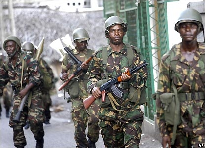 Soldiers from Tanzania arrive on Anjouan.