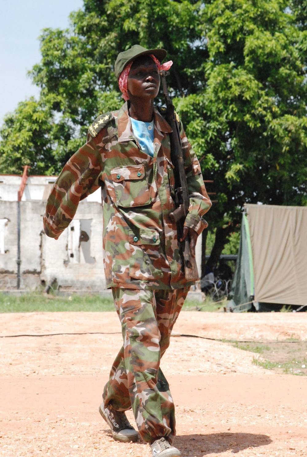 A female soldier from the Sudan People's Liberation Army