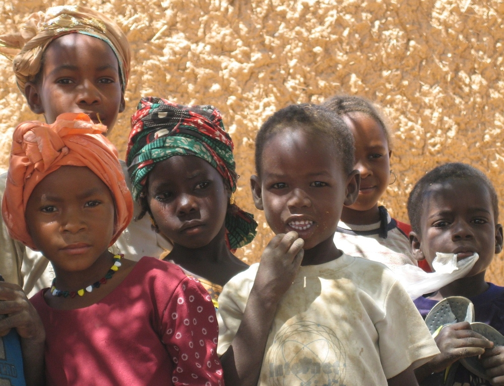 Children in the village of Garin Dagabi, north of Tanout in Southern Niger