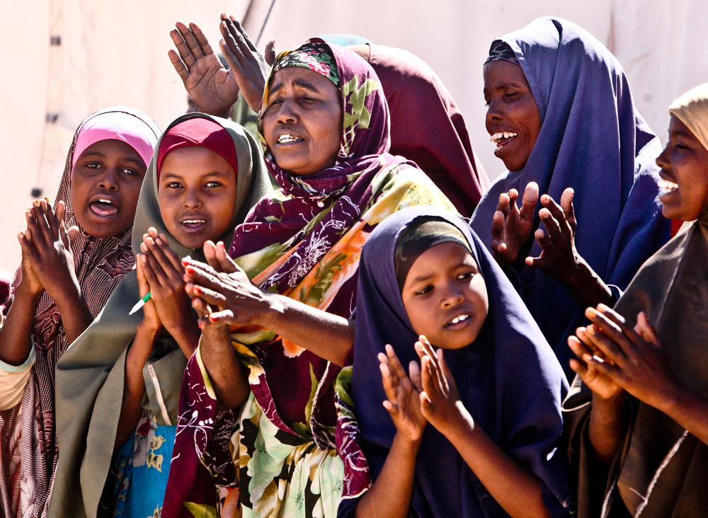 IDPs welcome Under-Secretary-General (USG) Valerie Amos in Gal-Mudug State, Somalia