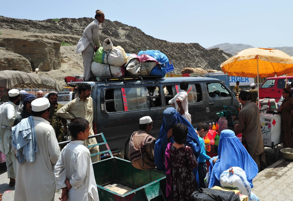 Afghan refugees head home from Pakistan, which has appeared less willing to host them in recent years