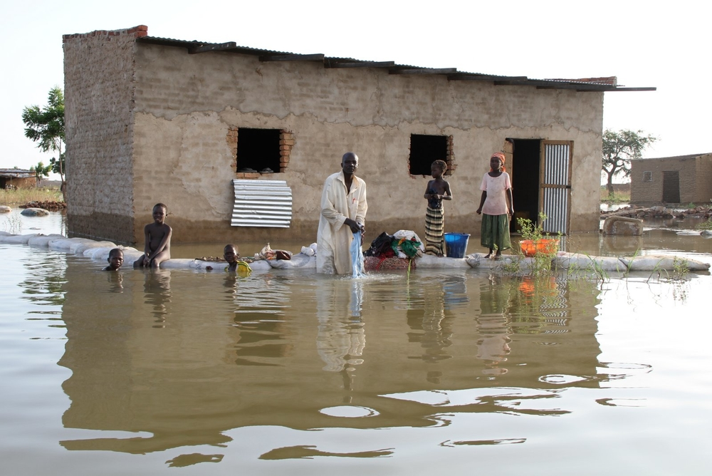Flooding in the Walia neighborhood of N'Djamena in October 2012, caused by the rise of the Chari and Logone rivers